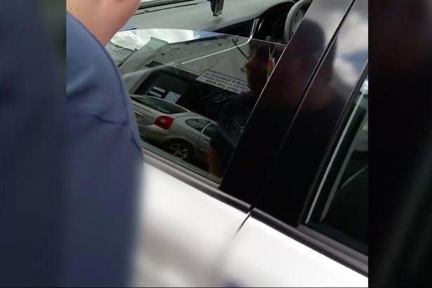 taxi driver refuses guide dog